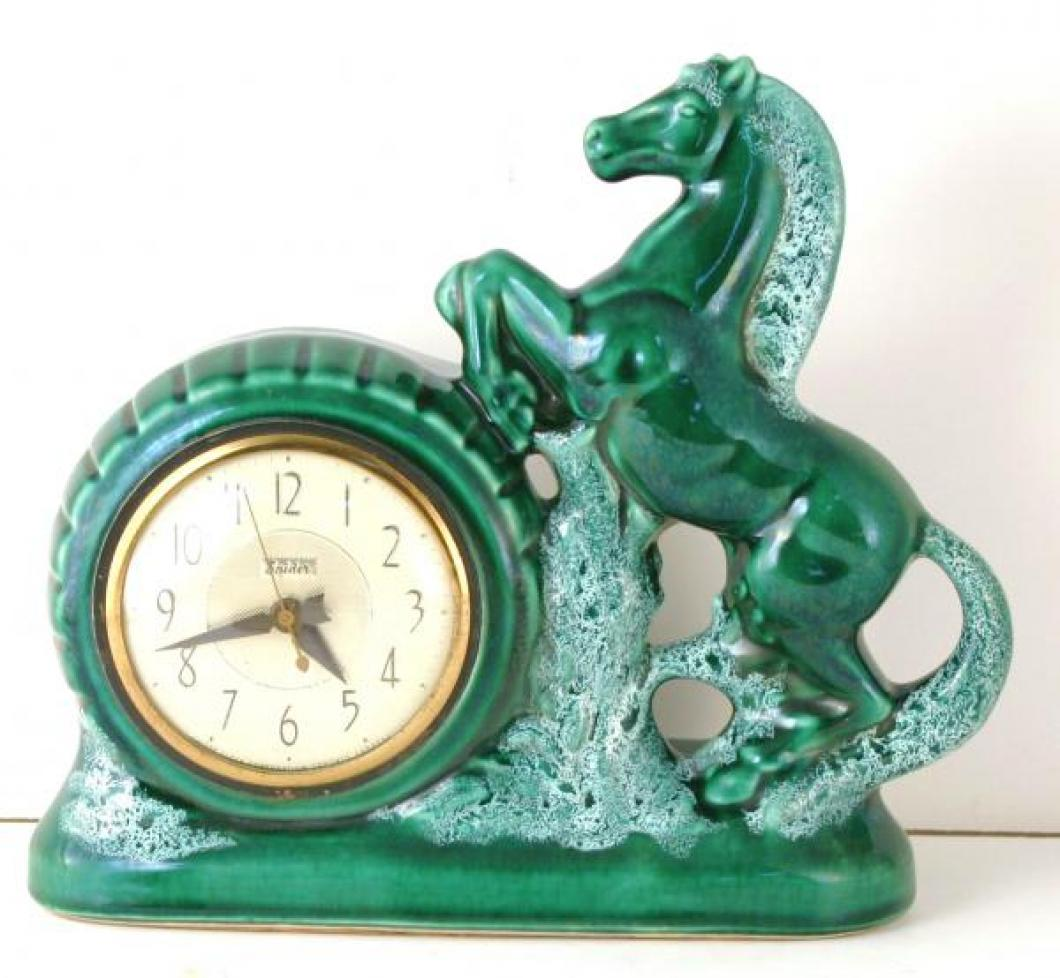 Snider green horse china-casedTV lamp clock (electric, mid 1950s)
