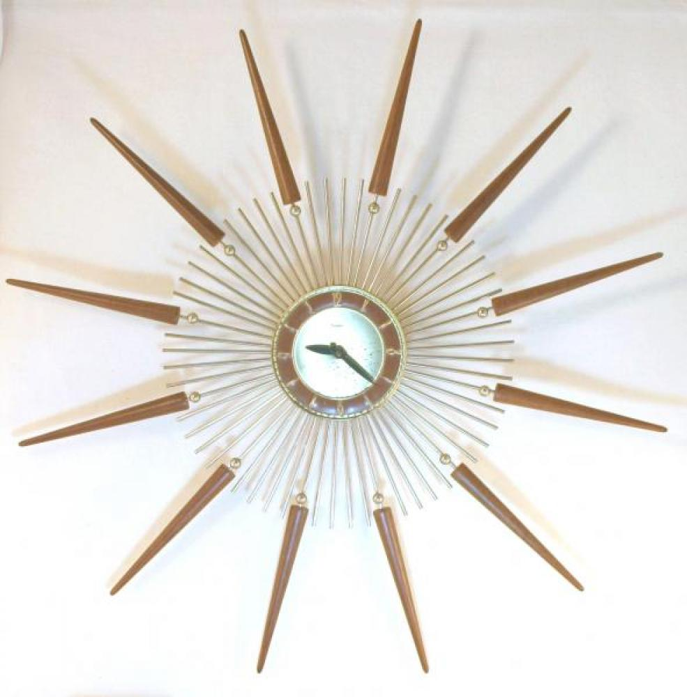 Snider LARGE starburst wall clock with walnut cone rays mounted on brass-plated metal rods (early/mid 1960s, electric)