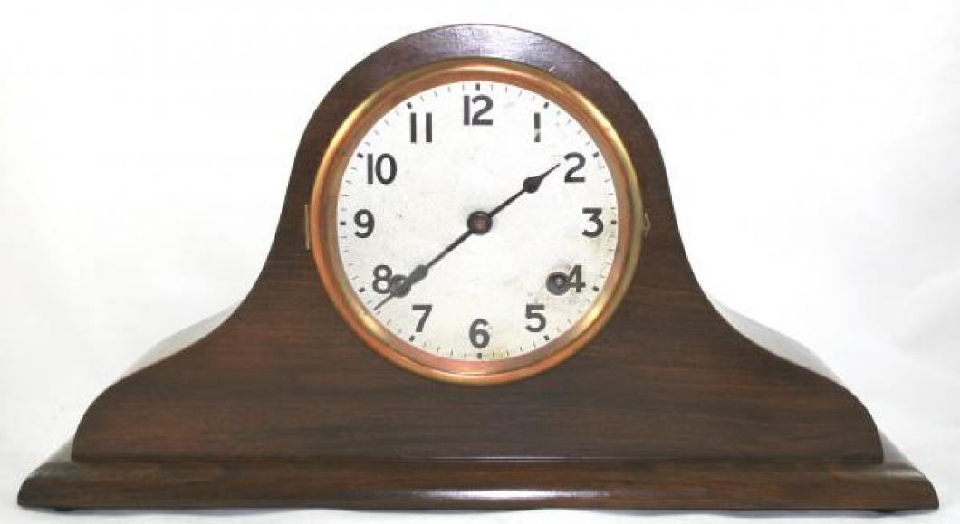 "Pequegnat ""Beauty"" model mantel clock"