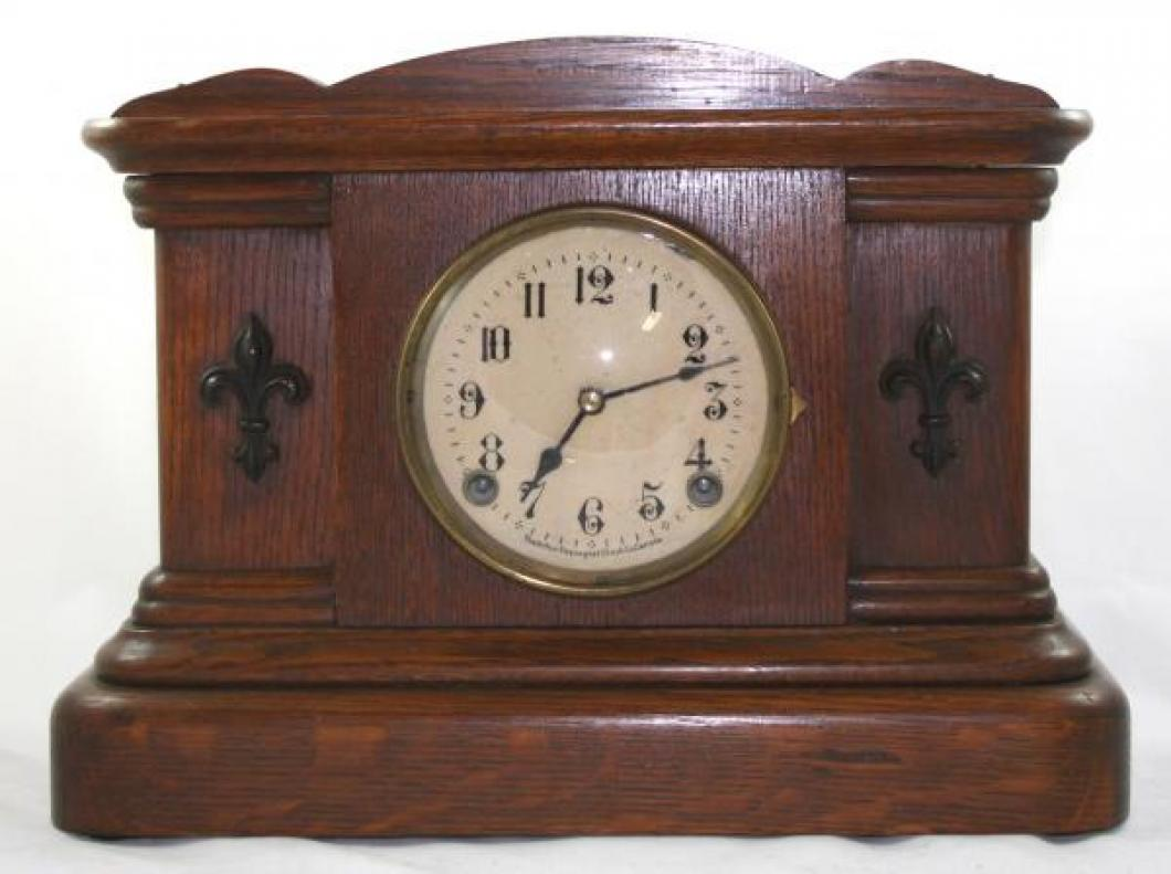 "Pequegnat ""Brampton"" model mantel clock"
