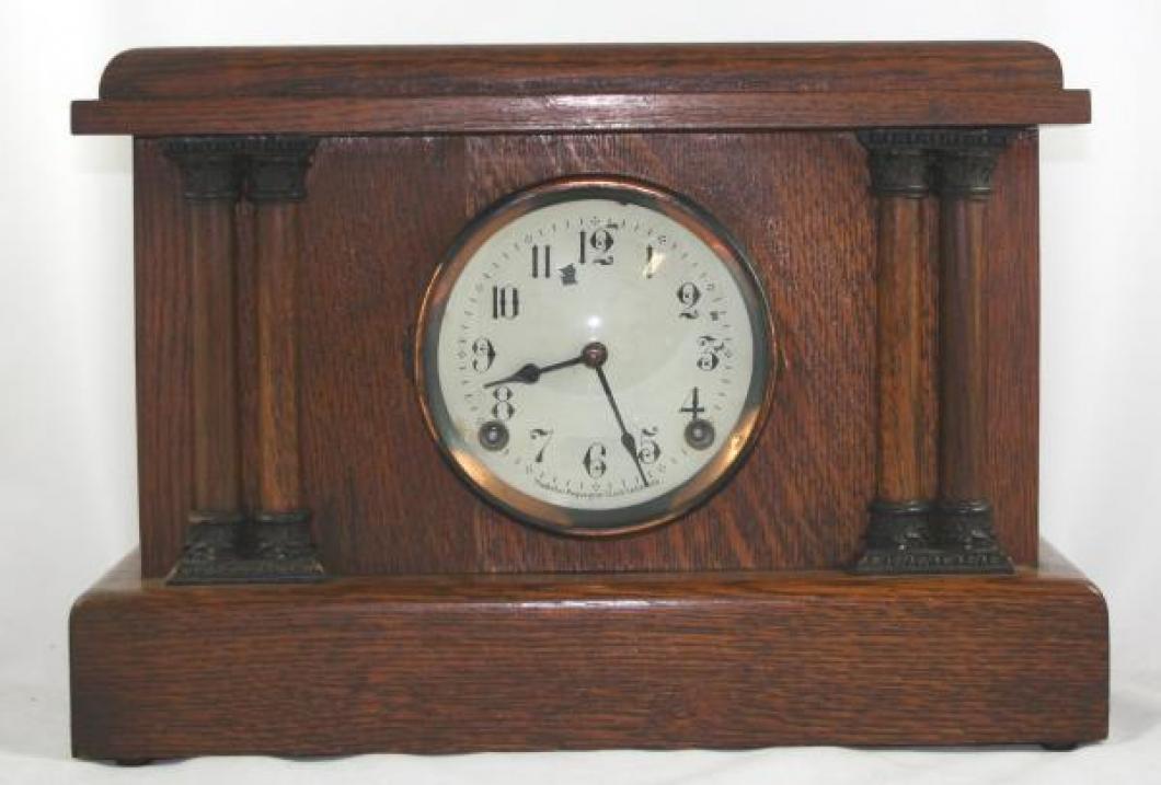 """Pequegnat """"Colonial"""" model mantel clock"""