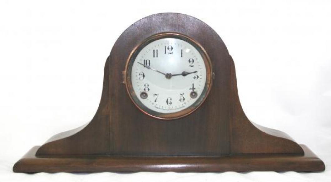"""Pequegnat """"Vogue"""" model mantel clock"""