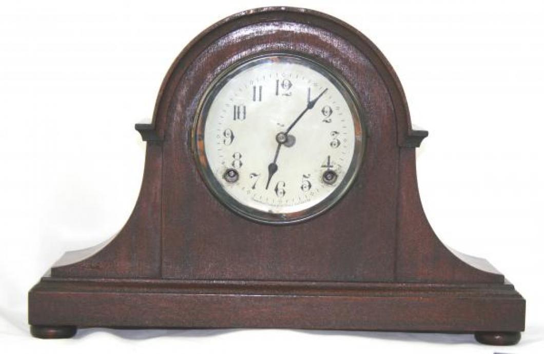 """Pequegnat """"Sydney"""" model mantel clock"""