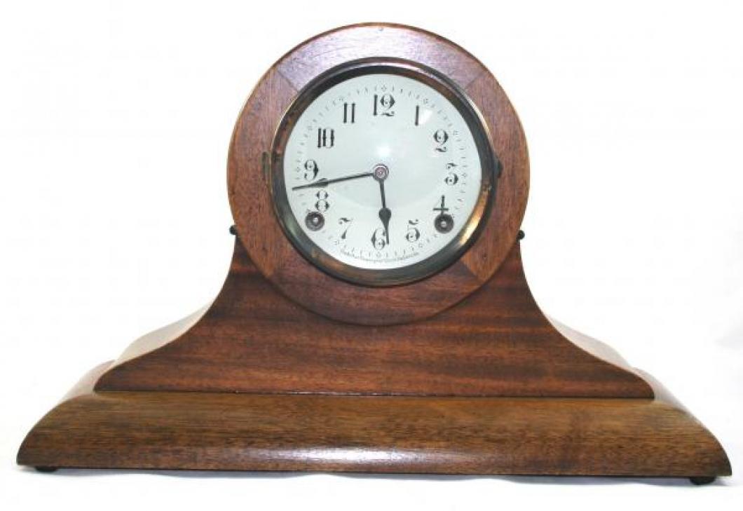 """Pequegnat """"Oxford"""" model mantel clock"""