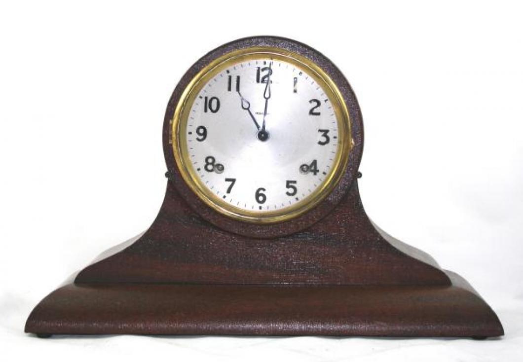 "Pequegnat ""Orillia"" model mantel clock"