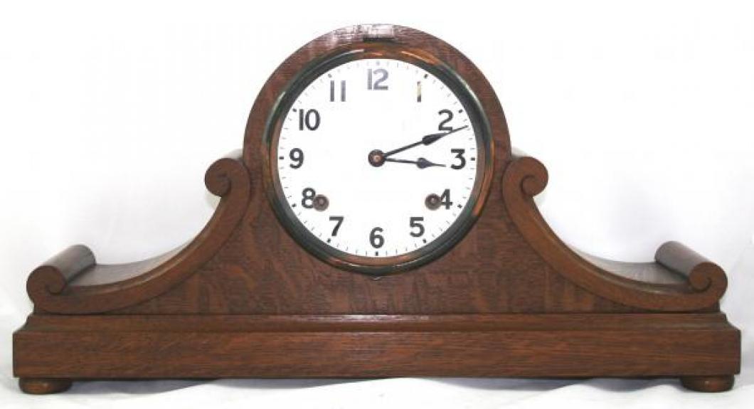"""Pequegnat """"London B"""" model mantel clock"""