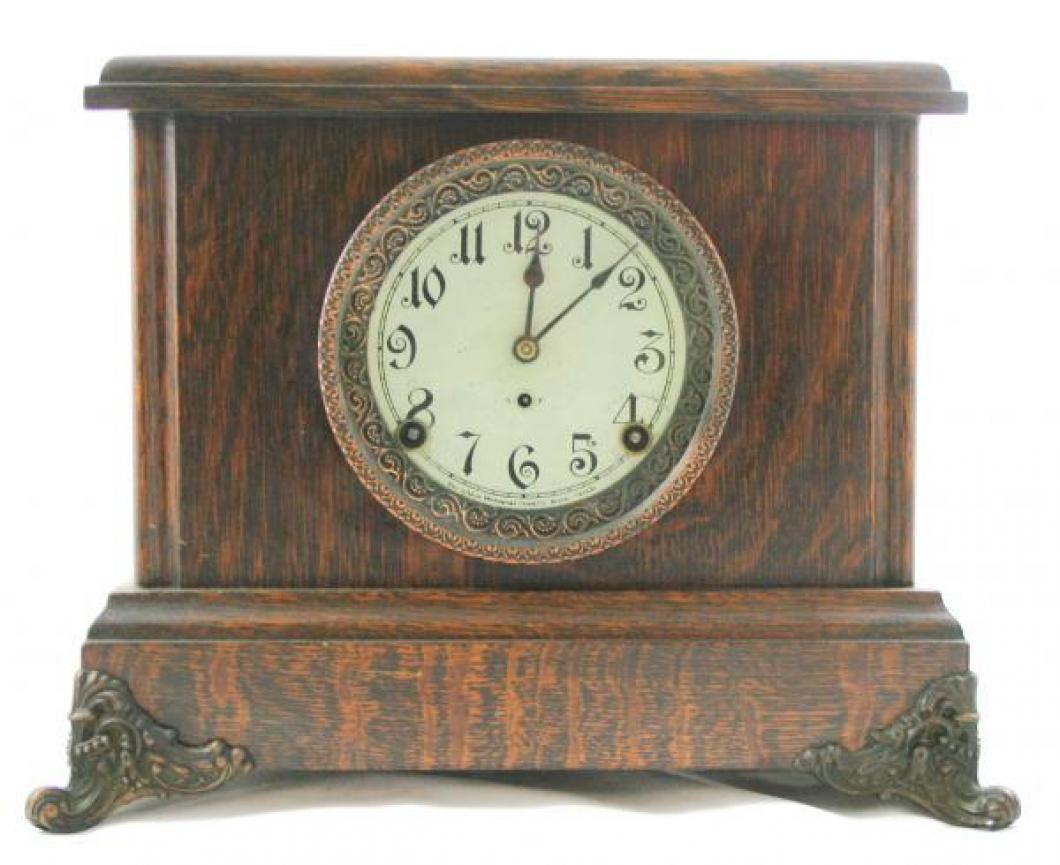 """Pequegnat """"Guelph"""" model mantel clock"""