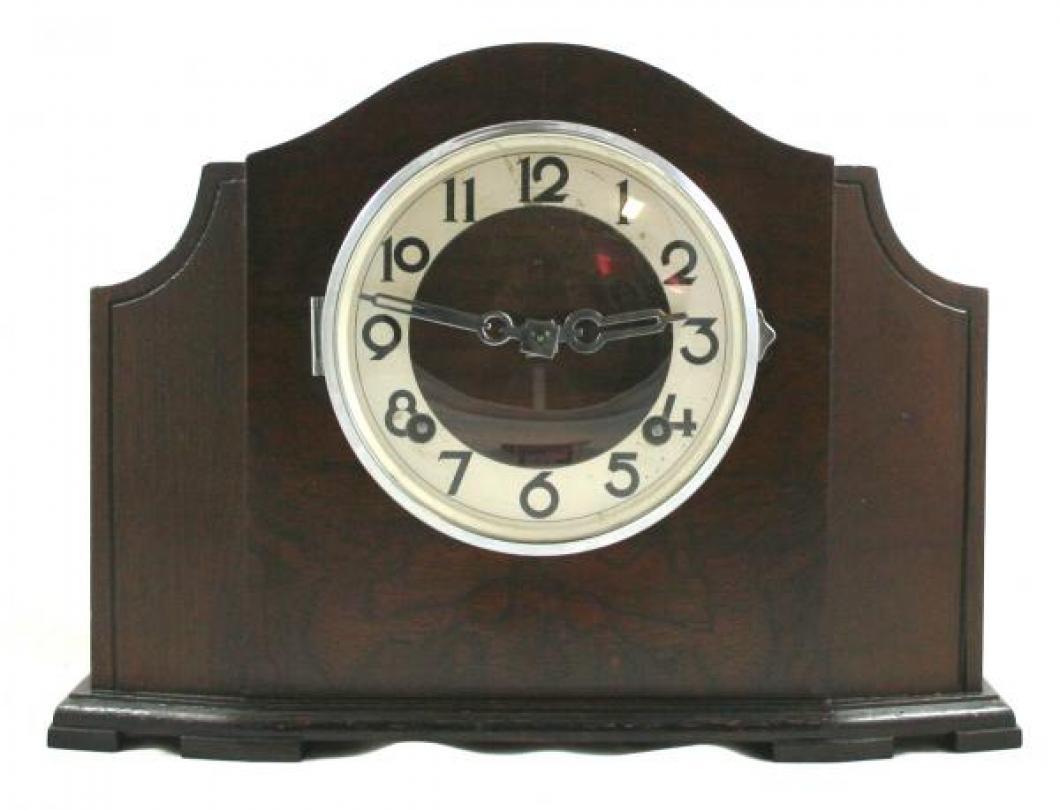 """Pequegnat """"Chester"""" model mantel clock"""