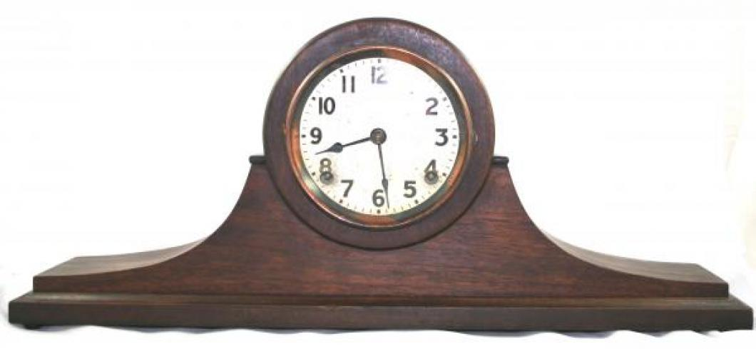 """Pequegnat """"Supreme"""" model mantel clock"""