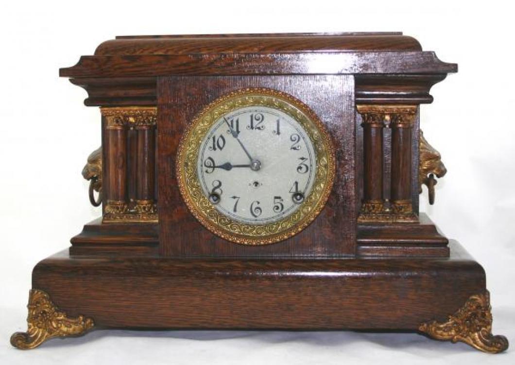 """Pequegnat """"Ontario"""" model matel clock - gold detail"""