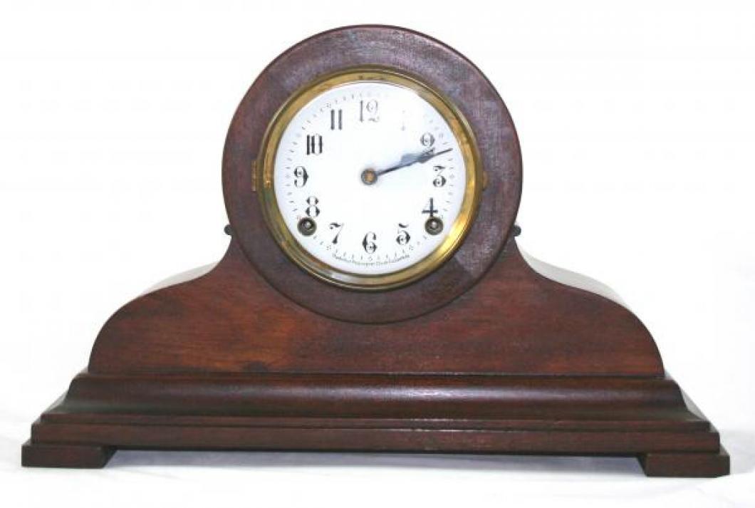 """Pequegnat """"Sherbrooke"""" model mantel clock"""