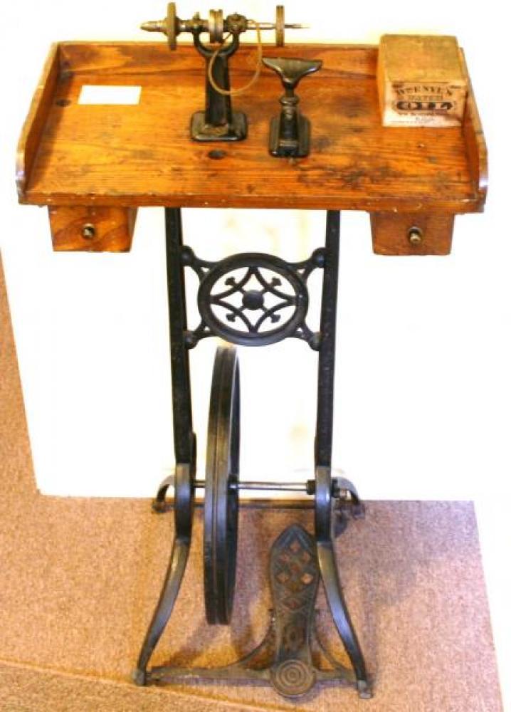 Treadle-operated jeweller's lathe