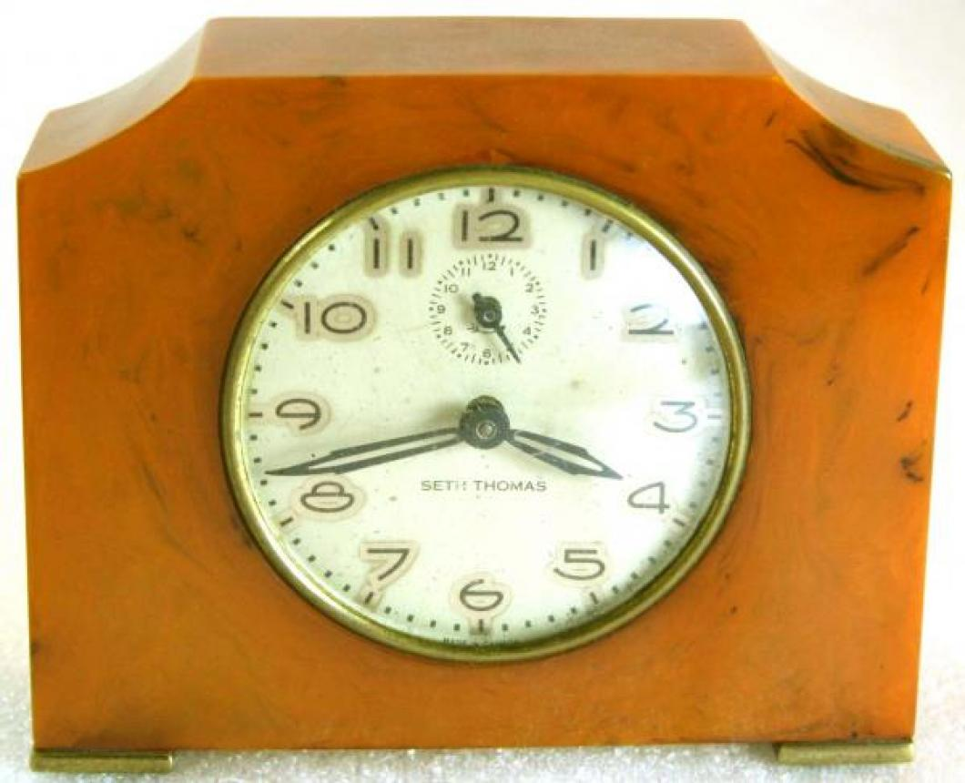 Seth Thomas 1930s tan catalin, spring-driven alarm clock