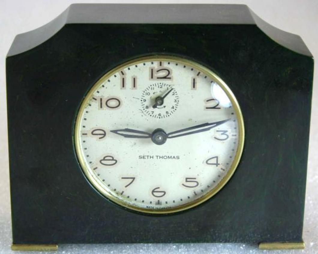 Seth Thomas 1930s dark green catalin, spring-driven alarm clock
