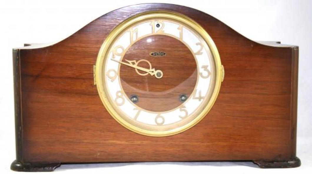 Seth Thomas SELKIRK model mantel clock (spring-driven, time & strike)