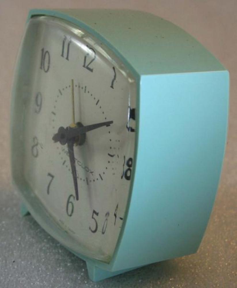 Westclox 1970s Nap Alarm Clock (BLUE) (Side View)