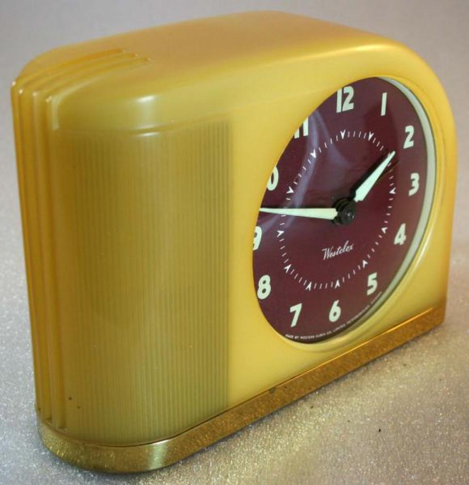 Westclox 1940s Moonbeam Alarm Clock (Side View)