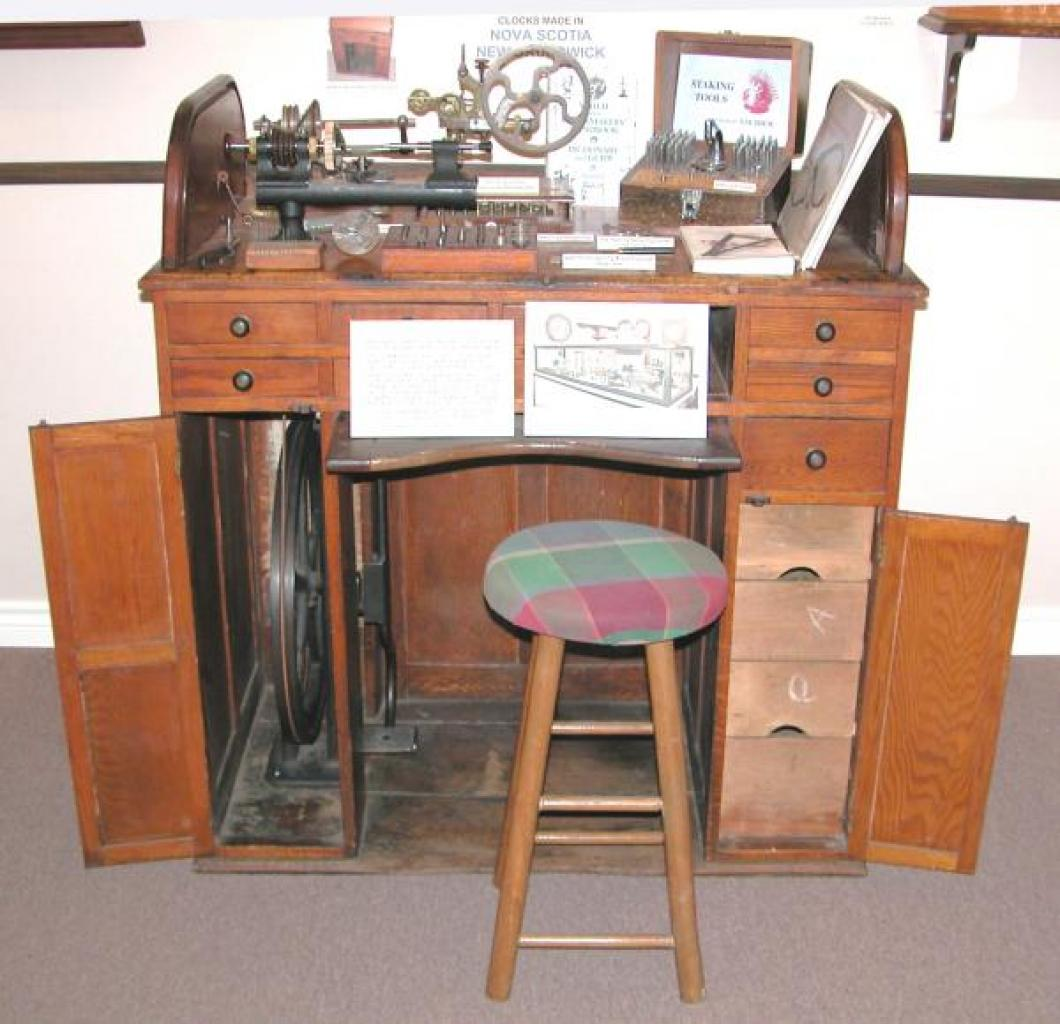 oak rolltop work bench with foot pedal lathe ca 1900 ( flywheel 1895 patent date)