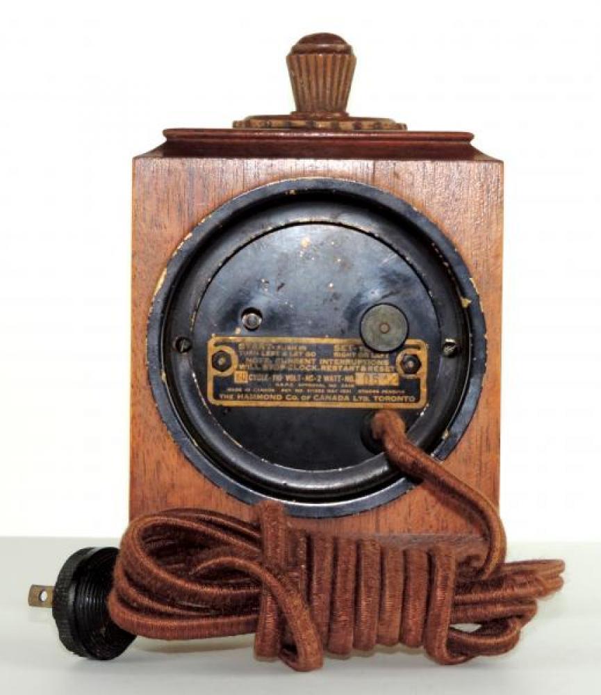 Back of ARCADIA model mantel clock (wood case).