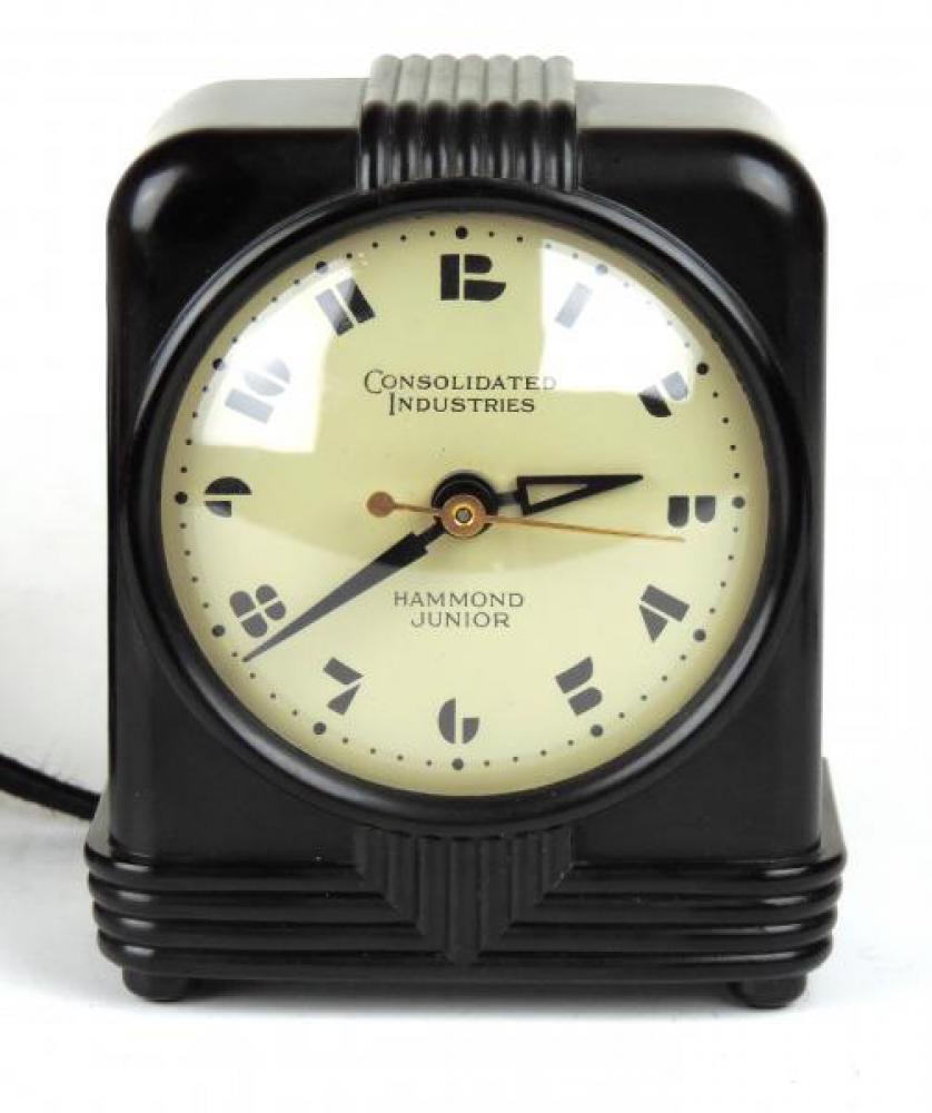 Black plastic case HAMMOND JUNIOR BEACON(?) model mantel clock.