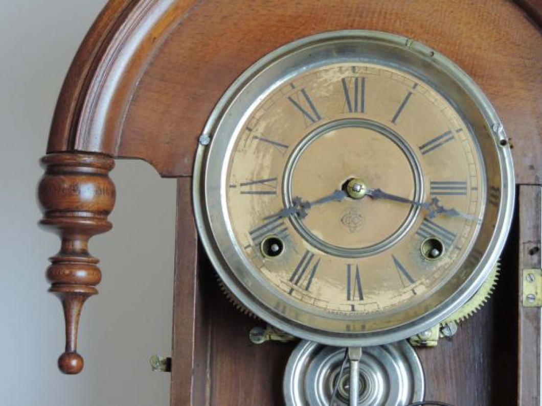 Canada Clock Company (Hamilton) DOMINION model mantel clock DIAL