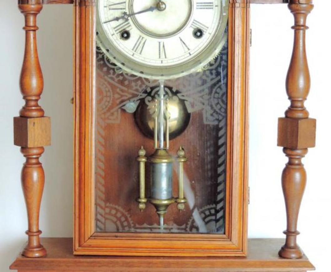 Canada Clock Company (Hamilton) ONTARIO model mantel clock TABLET