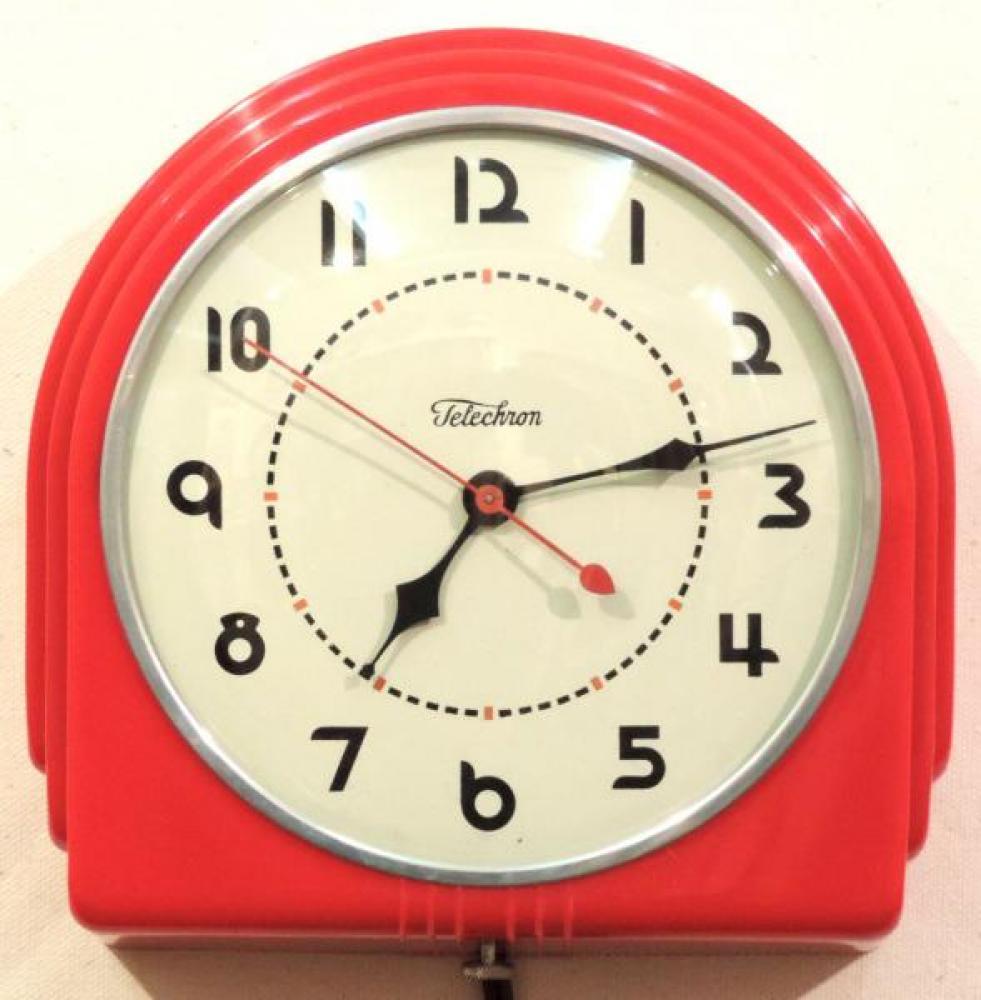 Model 2QM1 red plastic version kitchen clock, ca. 1937-1953