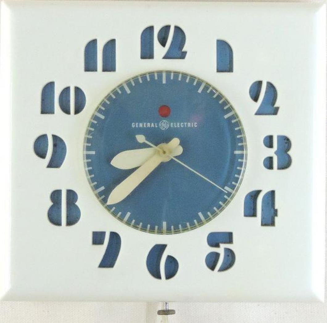 Model LK-15 white and blue version plastic case kitchen clock, ca. 1949-1955