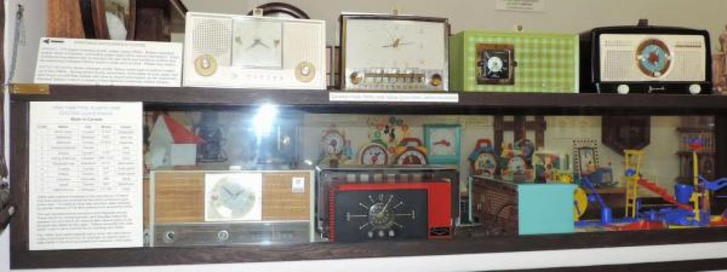 More Canadian-made 1950s glass tubes clock radios