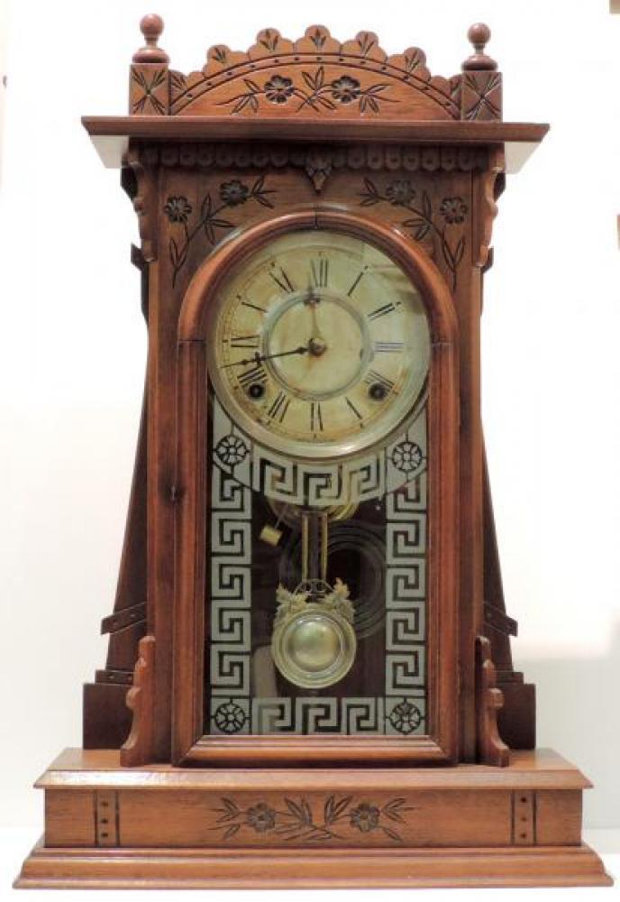 Canada Clock Company, Hamilton name-unknown model mantel clock FRONT