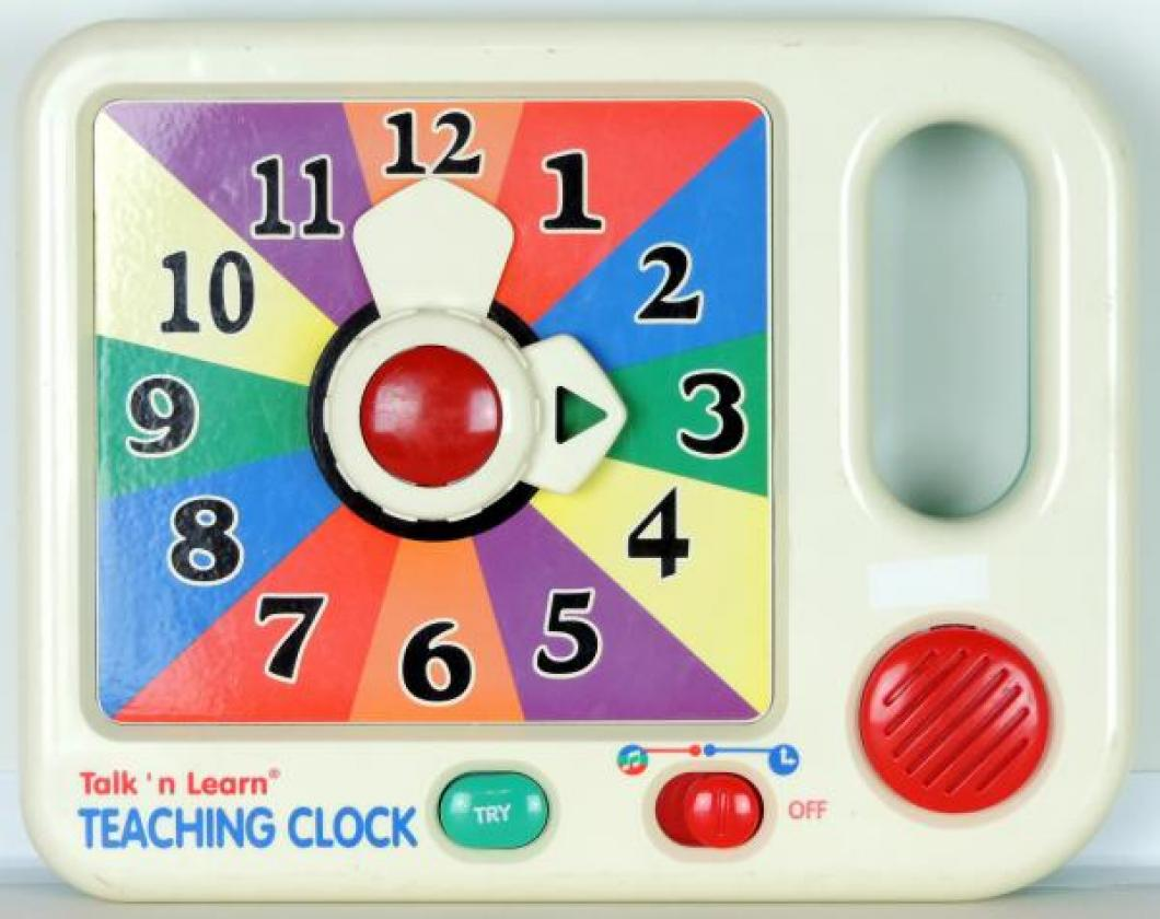 Scientific Toys Ltd Talk 'n Learn TEACHING CLOCK, battery, voice chip tells colours and time